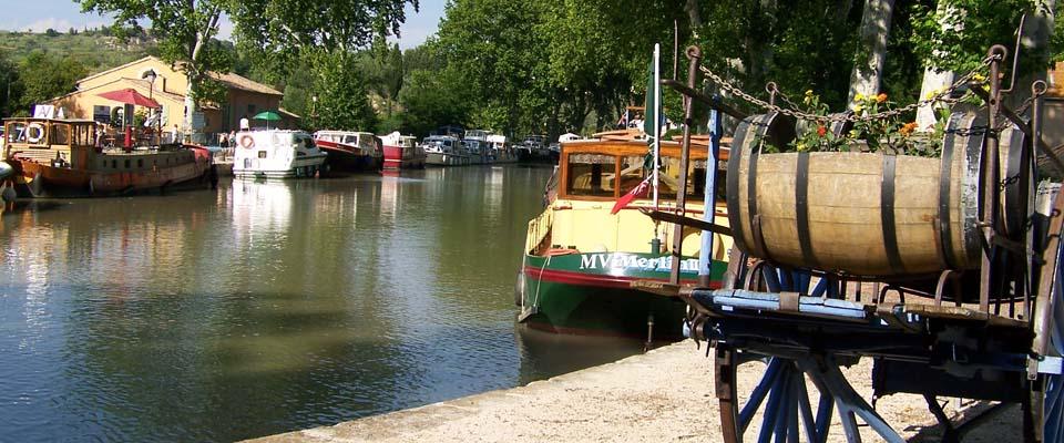 location de bateau carcassonne bateau sur le canal du midi carcassonne river and boat. Black Bedroom Furniture Sets. Home Design Ideas