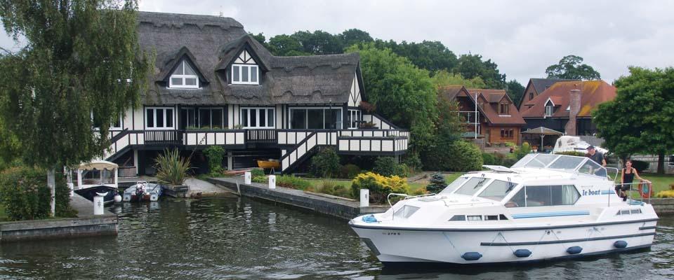 hausboot mieten in holland hausbooturlaub in holland. Black Bedroom Furniture Sets. Home Design Ideas