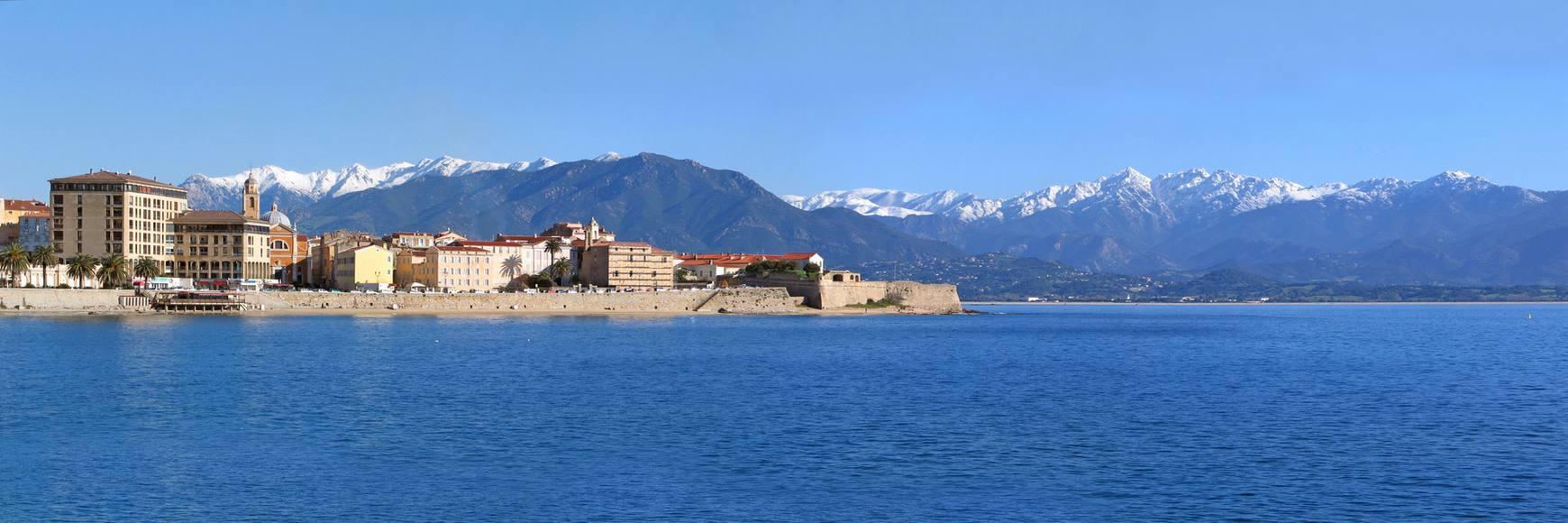Location bateau moteur Corse
