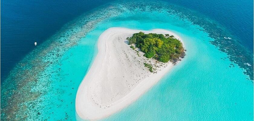 Vaadhoo Island