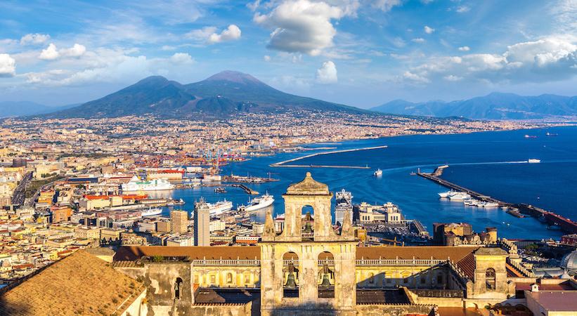 Vue sur Naples et le Vésuve