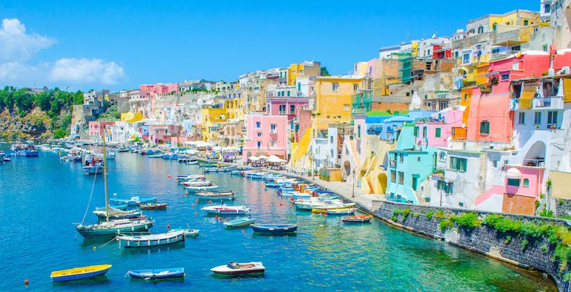 Port de Procida sur la baie de Naples