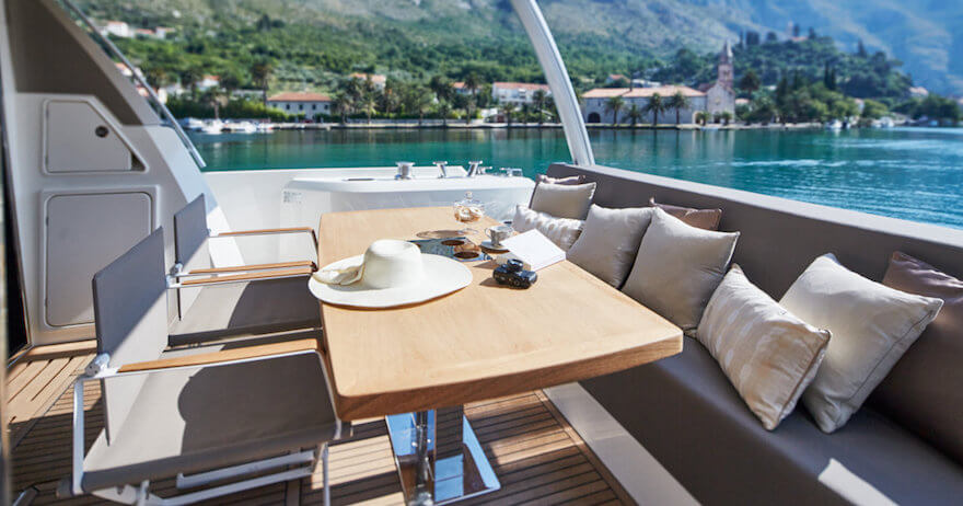 yacht prestige 680 martinique